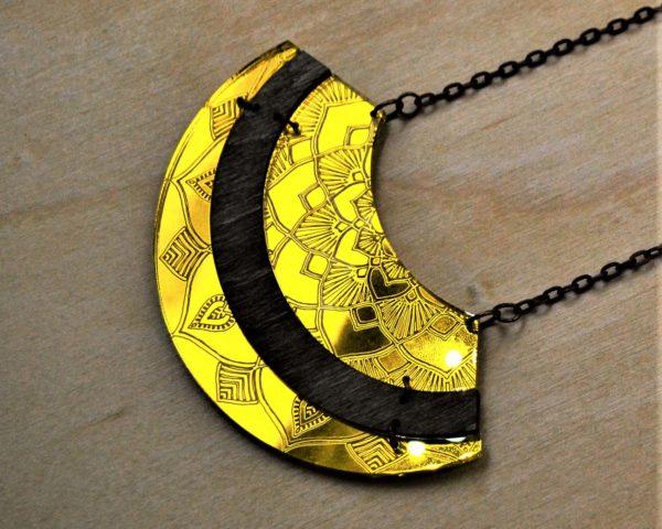 akrilna ogrlica